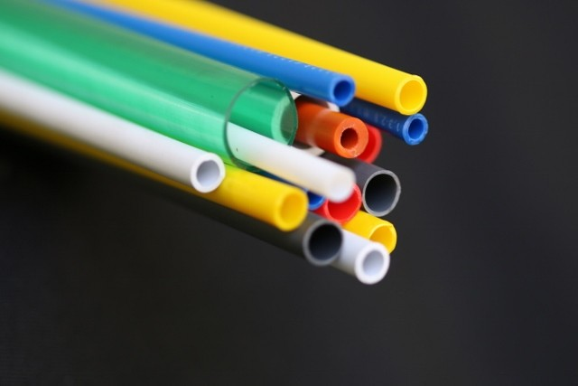Tubo plástico rígido